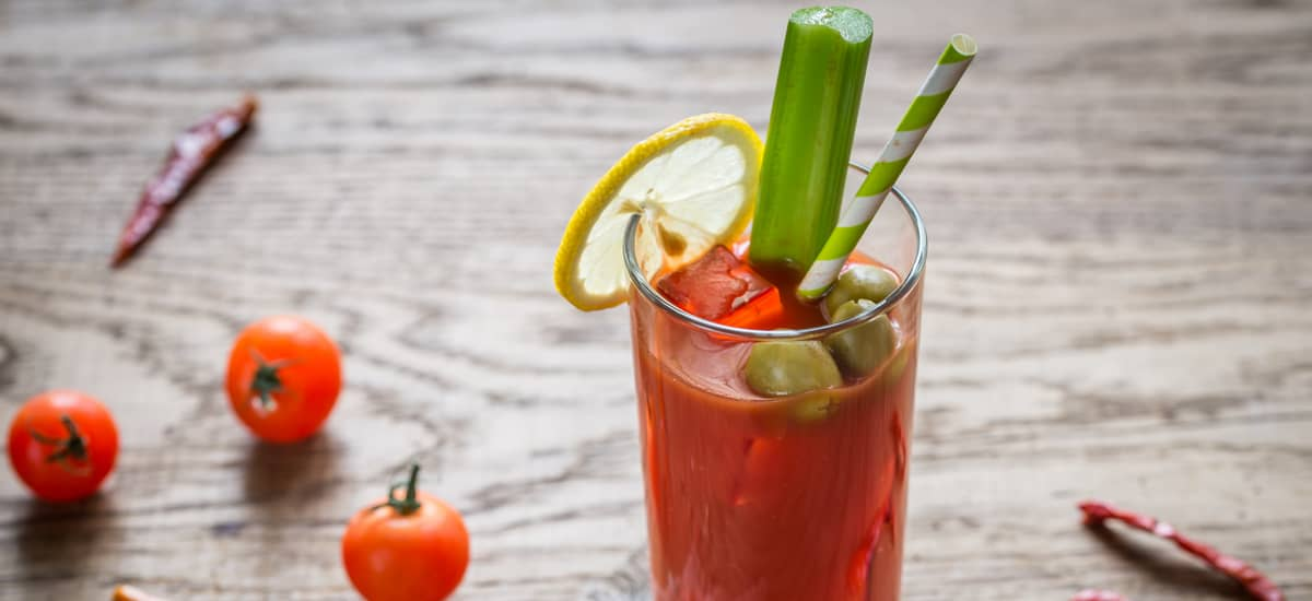 Cocktail mit Tomatensaft – original Bloody Mary Rezept
