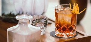Cocktailgläser und Tumbler